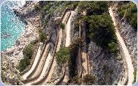 La strada pedonale scavata nella roccia: la via Krupp
